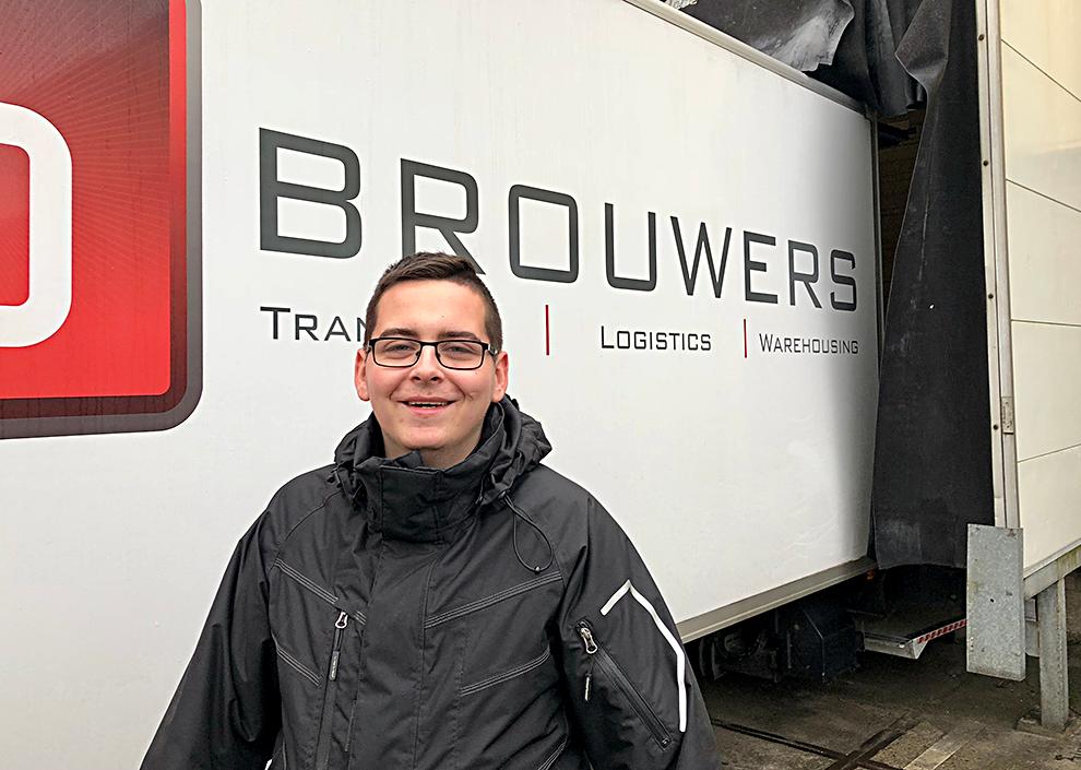 Maikel Mosink is leerbaner in dienst bij Brouwers Transport